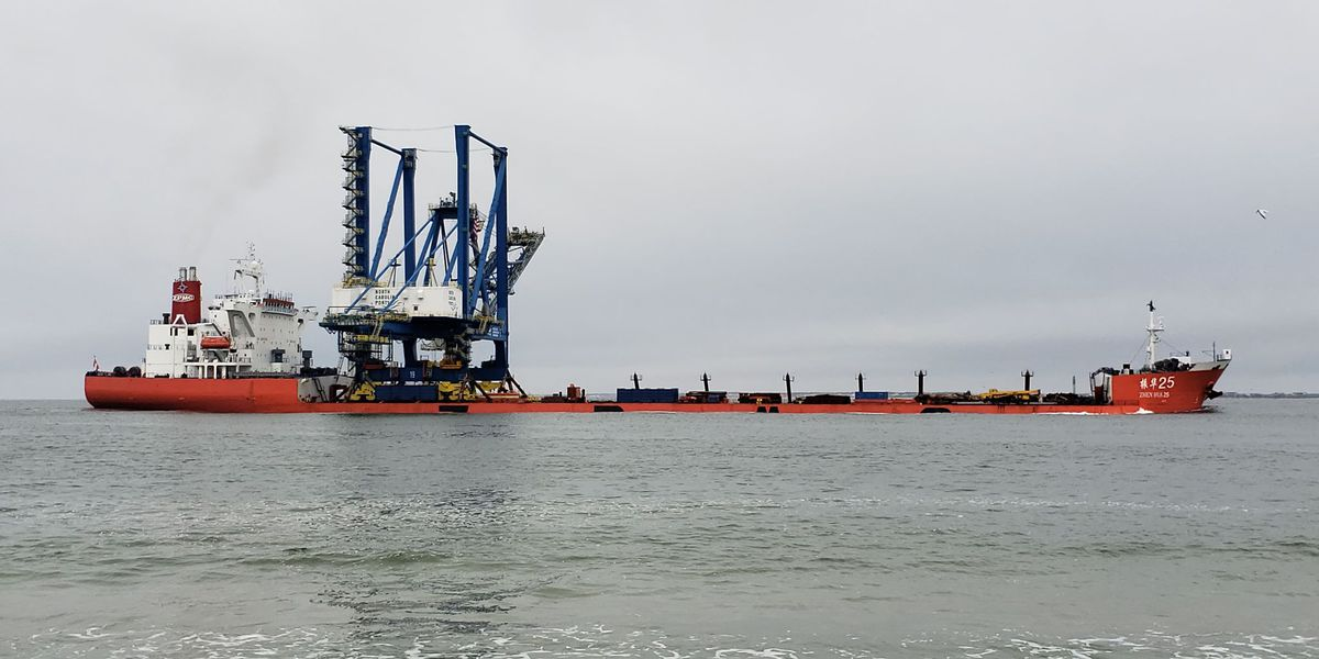 Crane arrival to affect vessel traffic, including ferry, on Cape Fear River