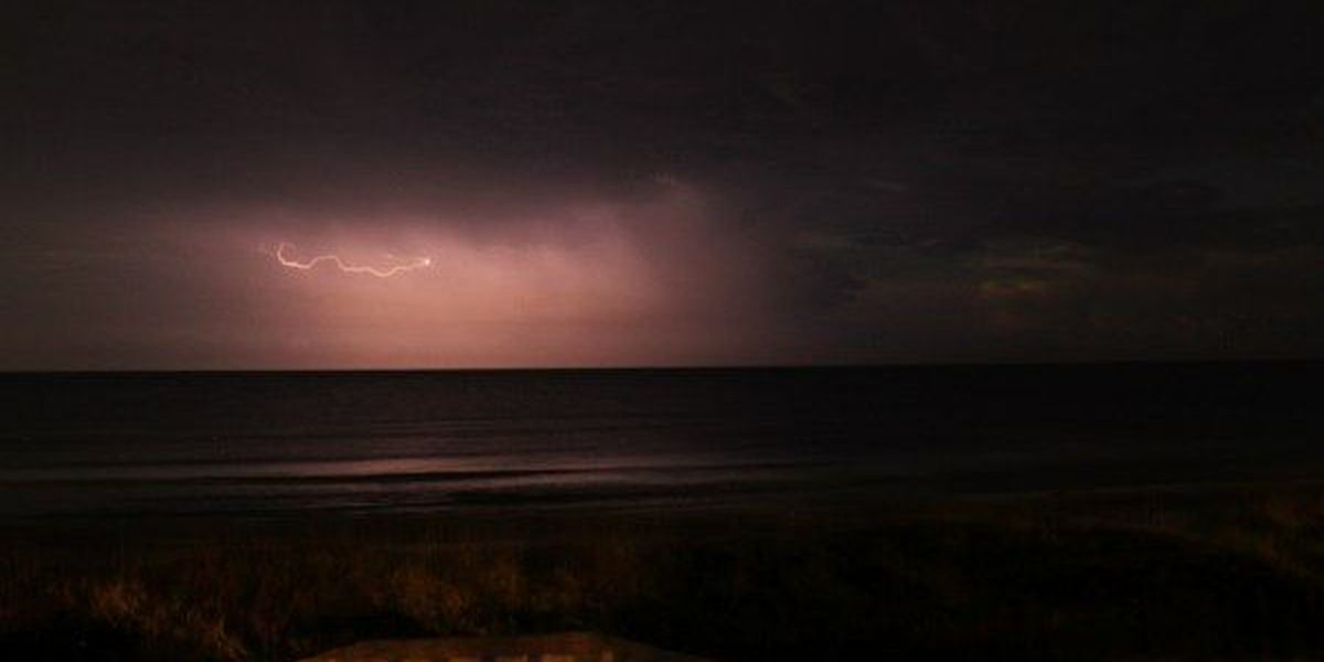 Weather 101: Is 'heat lightning' real?