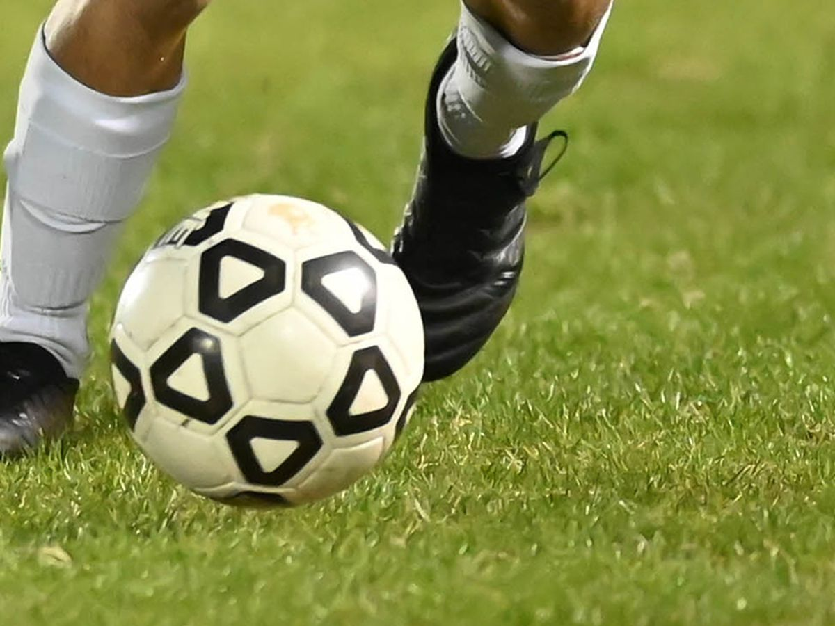 East Bladen boys soccer program suspends workouts, games through Feb. 22 due to Covid-19