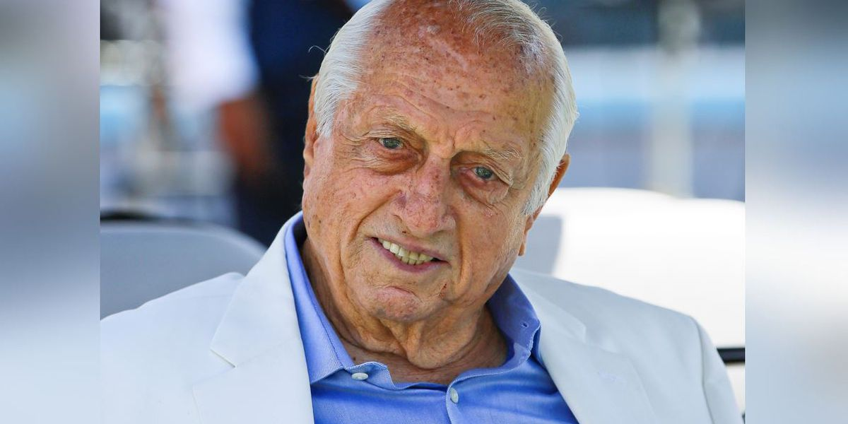 Hall of Fame Dodgers manager Lasorda hospitalized in ICU